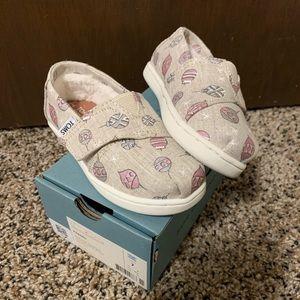 NIB Tiny Toms Christmas shoes